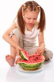 Mooi kind eten watermeloen — Stockfoto
