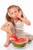 Mooie jongen met watermeloen — Stockfoto