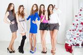 Jóvenes mujeres hermosas — Foto de Stock