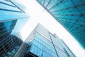 Rascacielos de cristal moderna — Foto de Stock