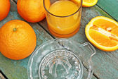 Making fresh orange juice — Stock Photo