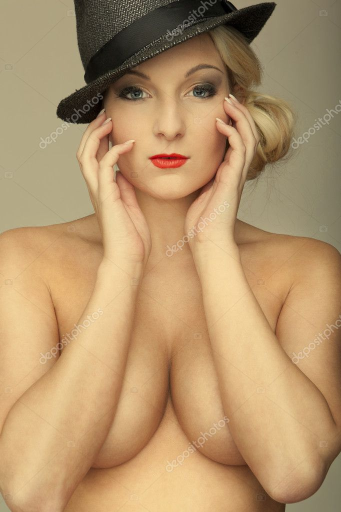 Nudes blond girl with big breasts — Stock Photo #13118234