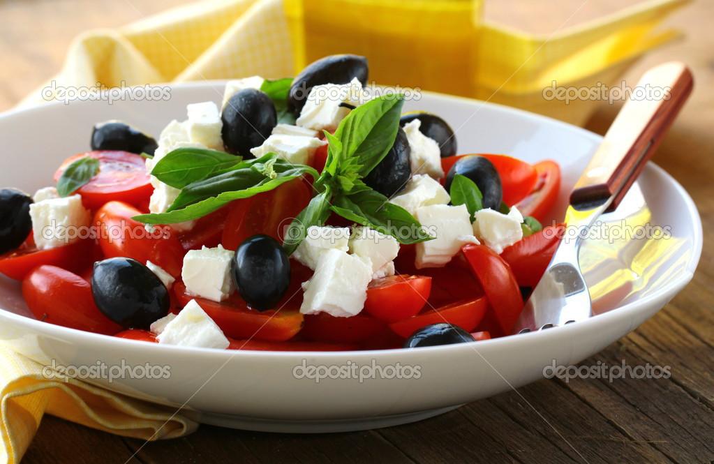 Рецепт салата греческий с сыром брынза
