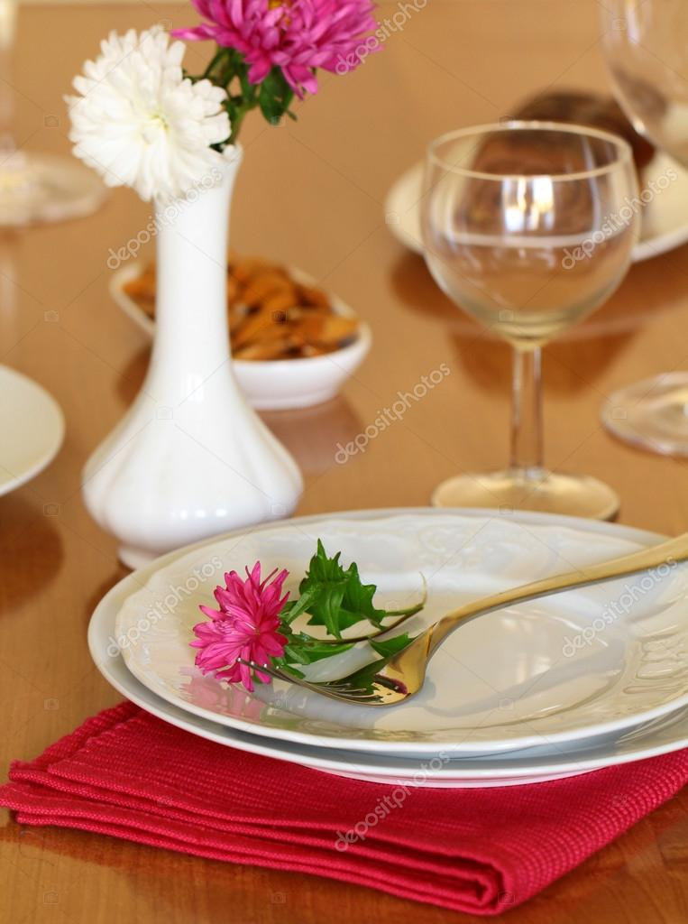 Holiday table setting with flowers — Stock Photo #12763117