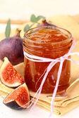 Jam ripe purple figs with fresh fruit — Stock Photo