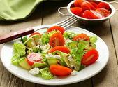 Salad zucchini with tomatoes and cream cheese — Stock Photo