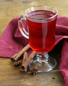 Christmas drink (mulled wine, tea) with cinnamon and star anise — Stock Photo