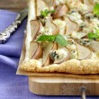 Puff pastry tart with blue cheese and pears — Stock Photo #33181053