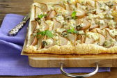 Puff pastry tart with blue cheese and pears — Stock Photo