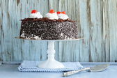 Chocolate cake with cherries and whipped cream (Black Forest) — Stock Photo