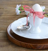 Easter table setting in a rustic vintage style — Stock Photo