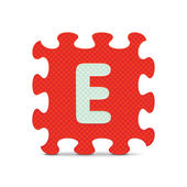 "Vector letter ""E"" written with alphabet puzzle — Stock vektor"