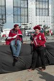 Die lettische traurig eishockey-fans — Stockfoto