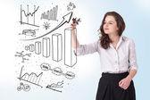 Kobieta młody biznes, kreślenie na tablicy — Zdjęcie stockowe