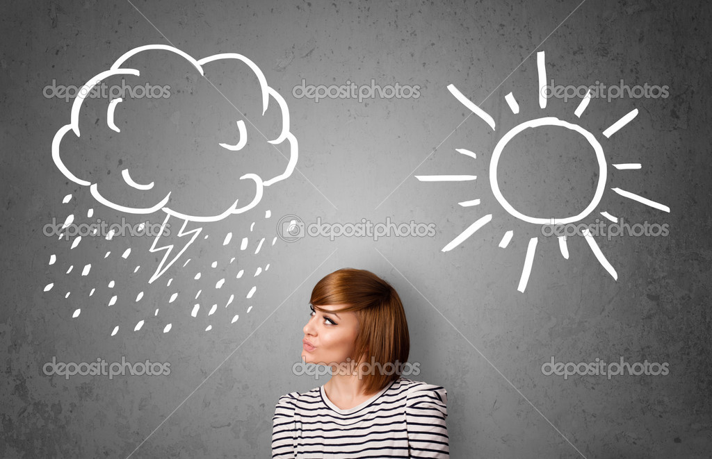 Mulher em pé entre um sol e uma chuva de desenho — Fotografias de ...