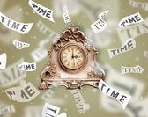 Conceito de relógio e com o tempo a voar para longe — Foto Stock