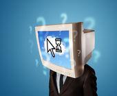 Pessoa com uma cabeça de monitor e nuvem baseia o scr tecnologia — Fotografia Stock