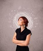 Bella giovane ragazza con linee astratte scarabocchio circolare e icone — Foto Stock