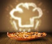 おいしいピザのシェフと調理帽子蒸気イラスト — ストック写真