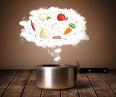 Légumes dans les nuages de vapeur — Photo