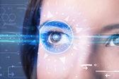 Cyber kız mavi iris seyir teknoloji göz ile — Stok fotoğraf