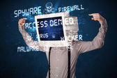 монитор головы человека с хакер типа знаков на экране — Стоковое фото
