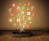 Letras brillantes que sale de la olla de cocción — Foto de Stock