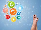 Emoticons de dedo alegre com férias colorida viajam ícone de bolha — Fotografia Stock