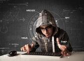 Joven hacker en el ambiente futurista hacking personal informati — Foto de Stock