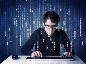 Hacker informationen aus futuristischen netzwerktechnologie-decodierung — Stockfoto