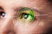 Cyber mujer con ojo blanco militar moderno — Foto de Stock