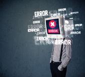 商务男人与 pc 显示器上 t 上他的头和错误消息 — 图库照片