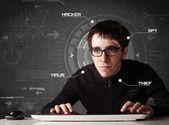 若いハッカー ハッキング個人的な informati 未来的な環境で — ストック写真