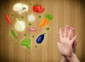 счастливый смайлик лице пальцы, глядя на иллюстрации красочных он — Стоковое фото