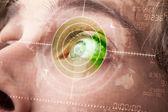 Der moderne mensch mit cyber technologie ziel militärischer auge — Stockfoto