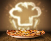 与厨师的美味披萨厨师的帽子蒸汽图 — 图库照片