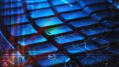 Klawiatura ze świecącymi chmura technologii ikony — Zdjęcie stockowe