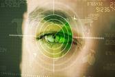 Homem moderno com cyber tecnologia alvo militar olho — Foto Stock