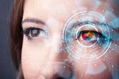 Будущие женщина с технологии cyber глаз группа концепции — Стоковое фото