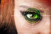 Cyber-frau mit modernen militärisches ziel auge — Stockfoto
