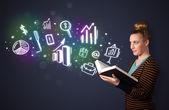 Signora giovane, leggendo un libro con icone di affari — Foto Stock