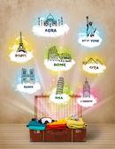 Valise touristique avec des monuments célèbres dans le monde entier — Photo