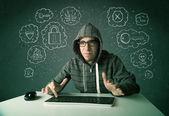 Hacker joven nerd con virus y pensamientos de hacking — Foto de Stock