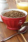 Wheat bran cereal breakfast — Stock Photo