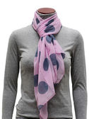 Pink Scarf in peas — Stock Photo