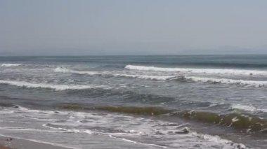 Onde della spiaggia sull'oceano pacifico — Video Stock