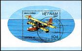 VIETNAM - CIRCA 1987: A stamp printed by VIETNAM shows plane Haf — Zdjęcie stockowe