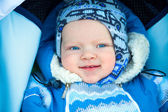 Happy small child in the winter — Stock Photo