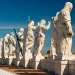 Statues on the roof of St. Peter`s basilica, Vatican — Stock Photo
