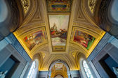 Ceiling in hall in the Vatican museum — Stock Photo